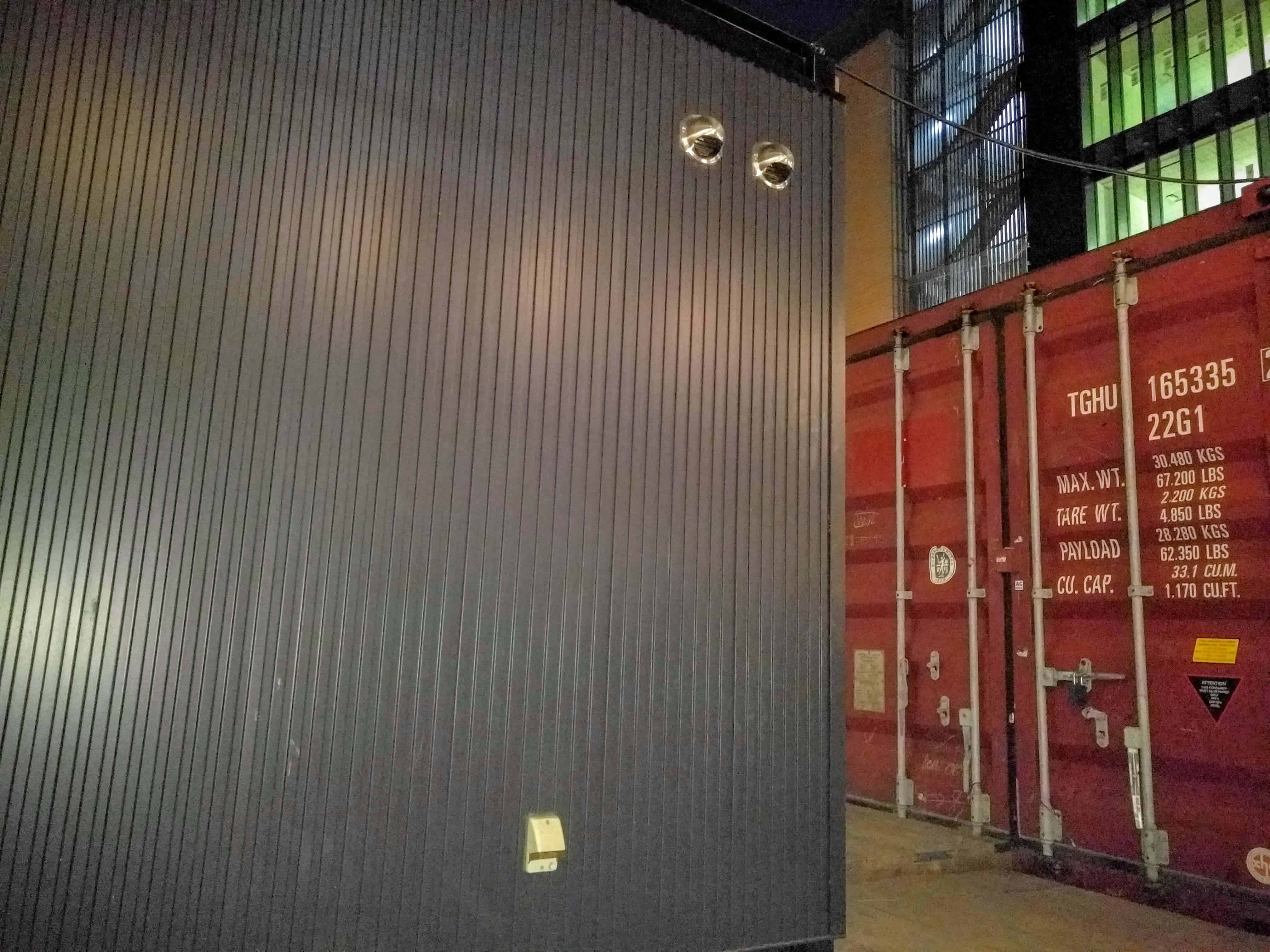 container0001